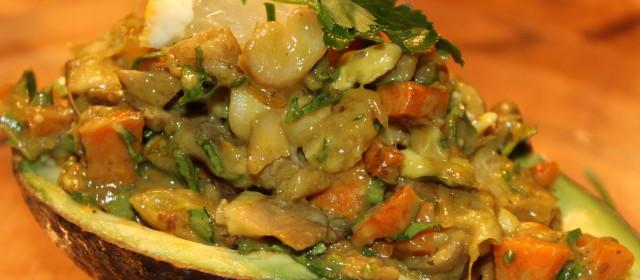 Pikant gefüllte Avocado