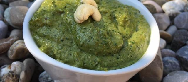 Wirsing- Rote Bete-Blätter Pesto
